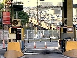 Pedágio da terceira Ponte foi liberado pela manhã (Foto: Reprodução/TV Gazeta)