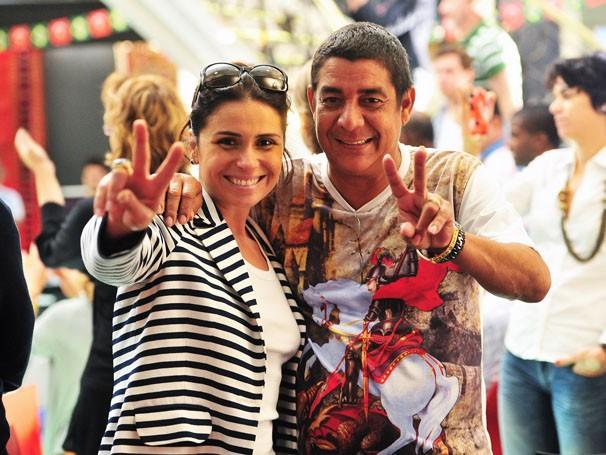 Giovana Antonelli encontra o amigo Zeca Pagodinho no workshop  (Foto: TV Globo/ João Miguel Júnior)