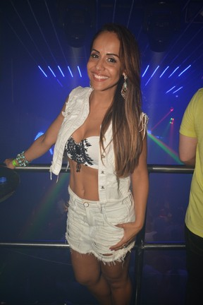 Carla Cristina em show em Salvador, na Bahia (Foto: Felipe Souto Maior/ Ag. News)