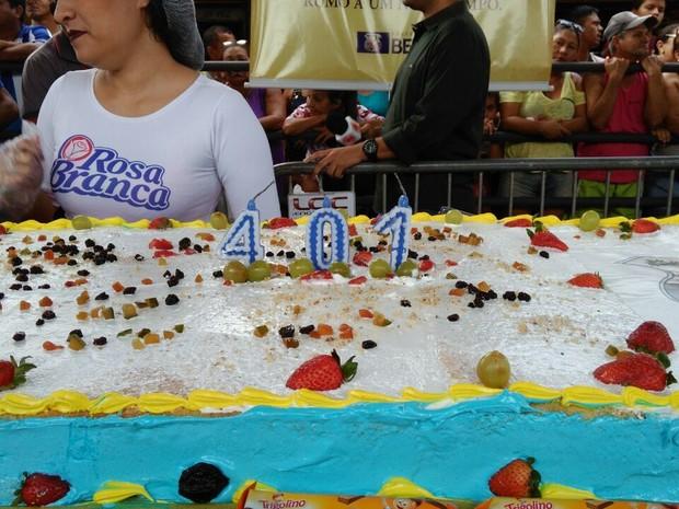 Bolo de aniversário dos 401 anos de Belém Belém  (Foto: Arthur Sobral / G1)