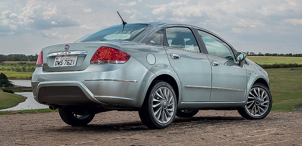 Fiat Linea 2015 (Foto: Marcos Camargo/Autoesporte)