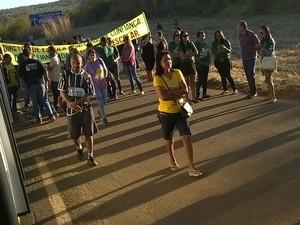 Professores estão em greve há mais de dois meses e fazem protesto nesta quinta-feira (13) (Foto: Vanda Rocha/Divulgação)