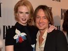 Nicole Kidman acompanha o marido, Keith Urban, em prêmio de música