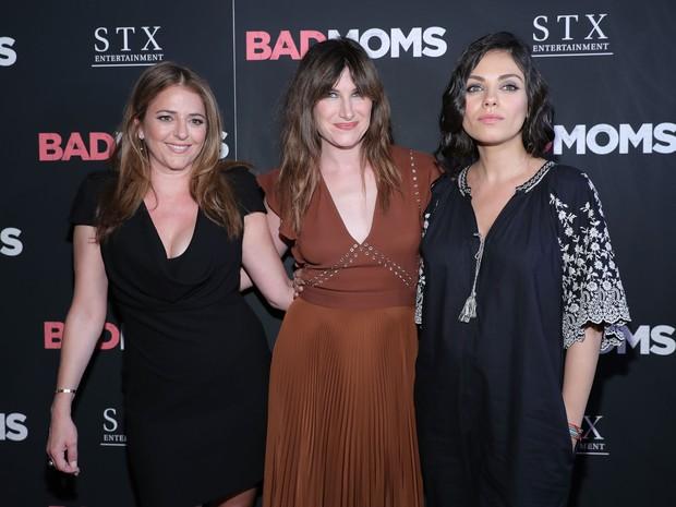 Mumolo, Kathryn Annie Hahn e Mila Kunis em première de filme em Nova York, nos Estados Unidos (Foto: Neilson Barnard/ Getty Images/ AFP)