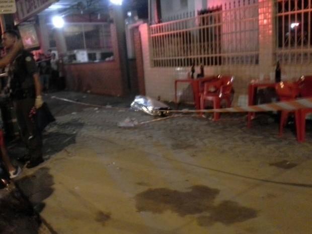 Estudante é baleado após reagir a assalto em Santos, SP (Foto: Elaine Brazão / G1)