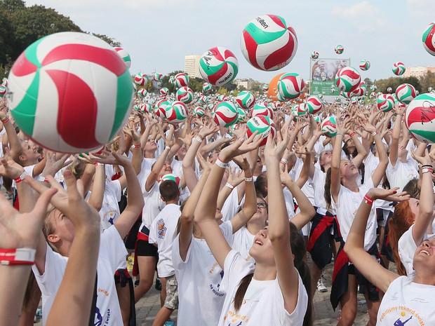 Tentativa ocorreu no arredores da arena que recebeu a abertura do Mundial masculino (Foto: AP/Czarek Sokolowski)