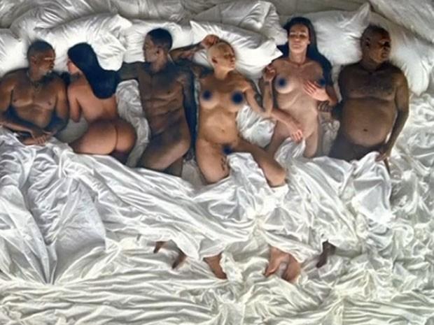 Kanye West, Kim Kardashian, Ray J, Amber Rose, Caitlyn Jenner e Bill Cosby são retratados em clipe (Foto: Reprodução)