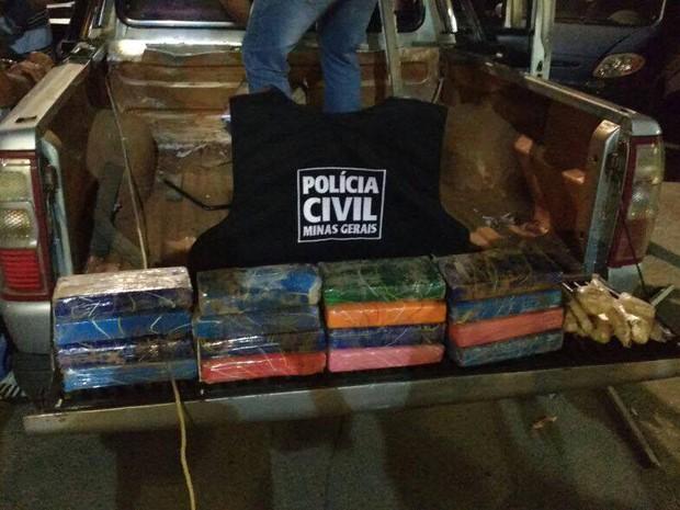 Cocaína é apreendida em Bom Despacho (Foto: Polícia Civil/Divulgação)