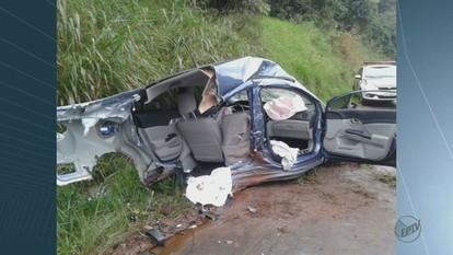 Acidente deixa 3 feridos na rodovia SP-215 em Santa Cruz das Palmeiras