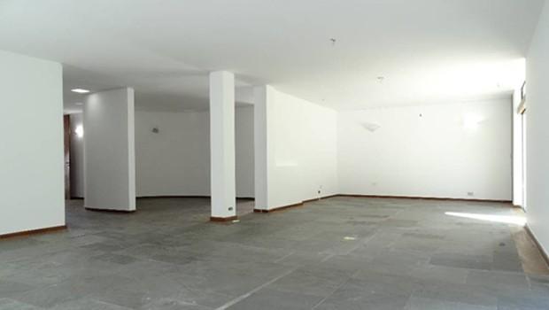 Imóvel de 300m², 3 dorms, 1 suíte e 8 vagas, que sai de R$ 12 milhões por R$ 8,4 milhões (Foto: Divulgação)