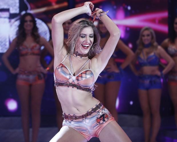 Lorena Improta abusa da sensualidade na pose (Foto: Inácio Moraes / Gshow)