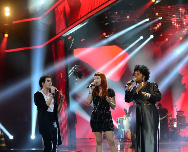 Sam Alves, Luana Fernandes e Ellen Oléria no ensaio (Foto: Camila Serejo)