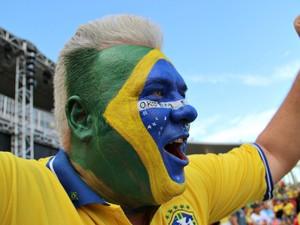 Torcedor húngaro vibra com jogo do Brasil em Manaus (Foto: Camila Henriques/G1)