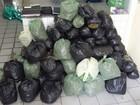 PM apreende 80 kg de maconha após caminhonete capotar em Gravatá, PE