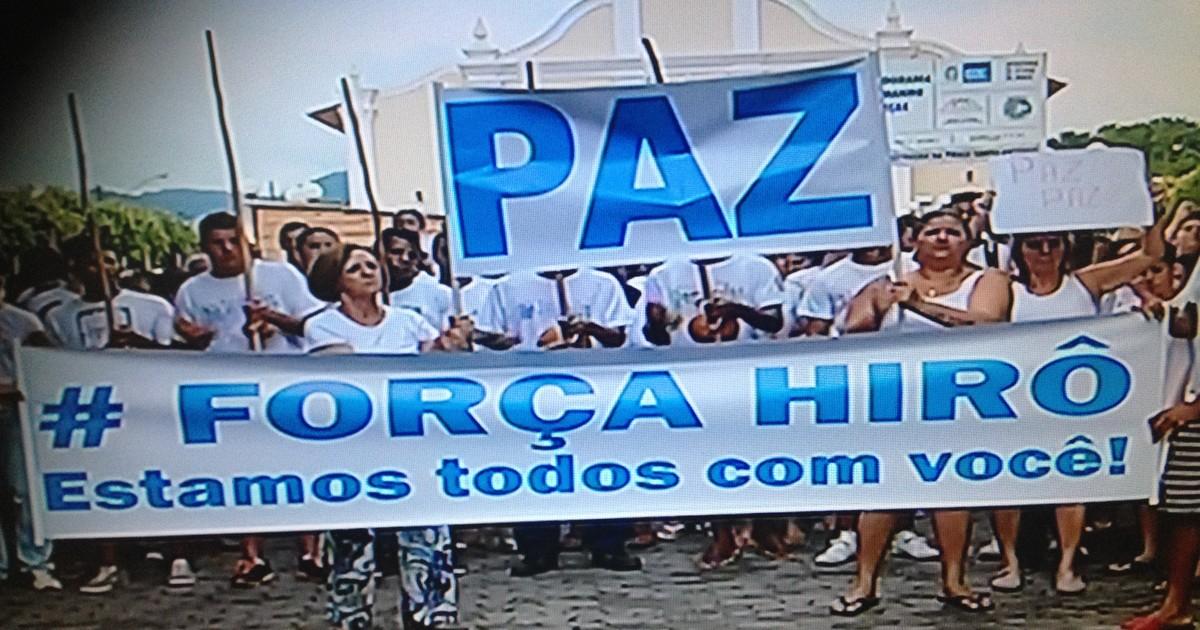 Passeata contra agressão reúne 500 pessoas em Porciúncula, RJ - Globo.com