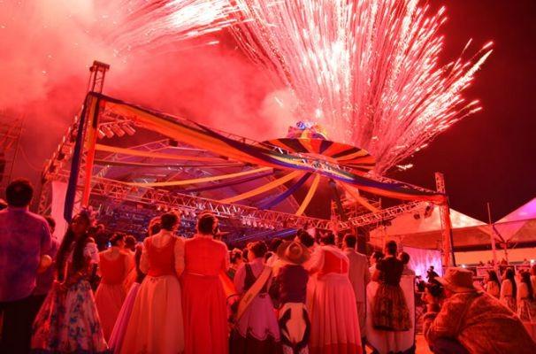 Festival do Folclore de Olímpia 2015 é realizado com o apoio da TV TEM (Foto: Divulgação/ Prefeitura de Olímpia)