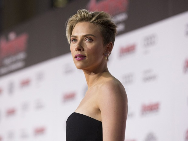 Scarlett Johansson na pré-estreia de 'Vingadores: Era de Ultron' no Teatro Dolby, em Hollywood, nesta segunda (13) (Foto: REUTERS/Mario Anzuoni)