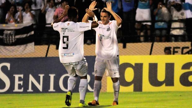 Montillo comemora gol do Santos obre o Atlético Sorocaba (Foto: Rodrigo Villalba/Agência Estado)