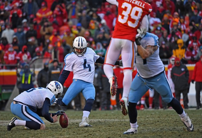 O kicker Ryan Succop, do Tennessee Titans, acertou field goal de 53 jardas no último lance da partida (Foto: Getty Images)