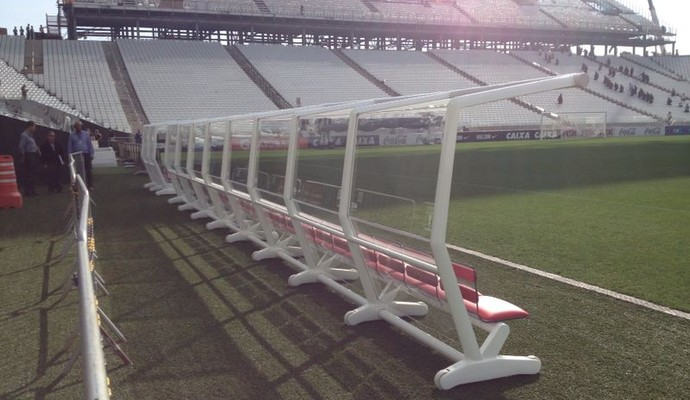 Banco de reserva Arena Corinthians (Foto: Marcelo Braga)