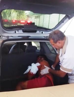 Preso do regime fechado, Ivanilson Lucas foi socorrido em estado grave para o Hospital Regional Tarcísio Maia, em Mossoró (Foto: Divulgação/PM)