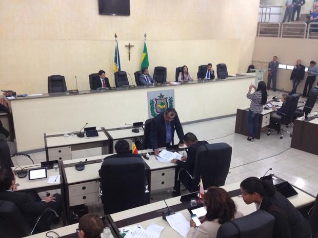 Deputados anunciaram saída do governo nesta segunda-feira (19) (Foto: Abinoan Santiago/G1)