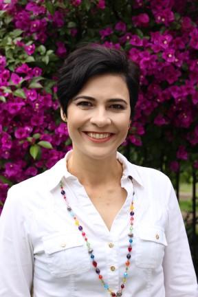 Jornalista Jaqueline Conte lança livro infantil