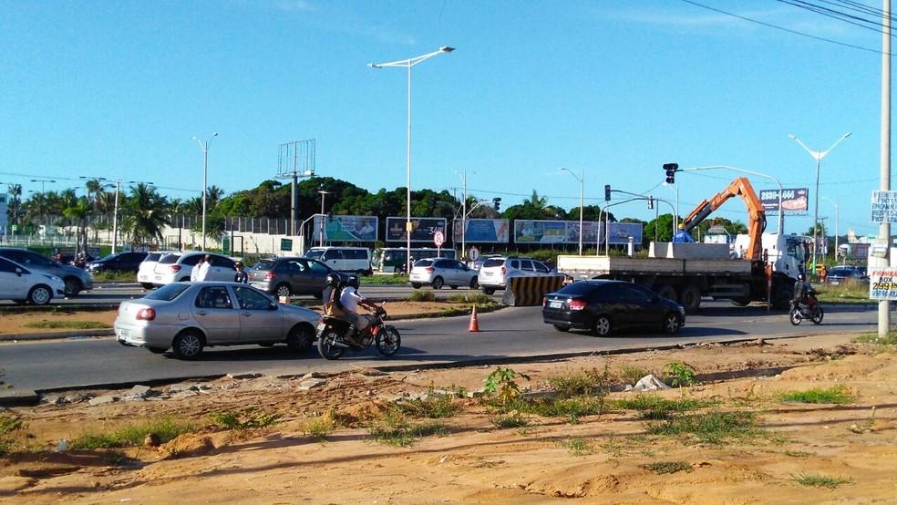 Retorno e acesso ao bairro de Nova Parnamirim poderá ser feito por baixo do viaduto de Emaús (Foto: Marksuel Figueredo/Inter TV Cabugi )