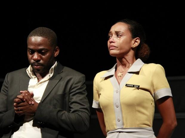 Lázaro Ramos e Taís Araújo em estreia de peça no Centro do Rio (Foto: Marcos Ferreira/ Brazil News)