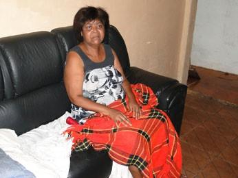 Alcinéia Rodrigues de Moura, de 50 anos, mora em casa dentro de escola desde os 7. (Foto: Cristina Moreno de Castro)
