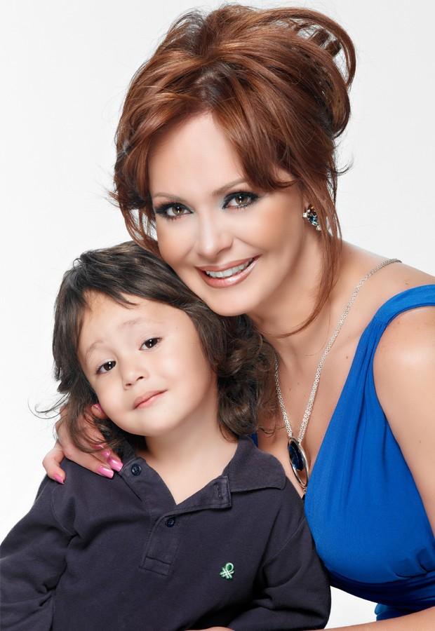 Gabriela e o filho Gabriel, hoje com 4 anos (Foto: Divulgação)