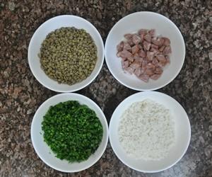 Arroz de lentilha, passo 1 (Foto: Natália Clementin / G1)
