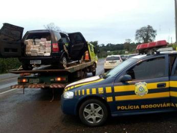 Foram encontrados 589 kg de maconha (Foto: Polícia Rodoviária Federal/Divulgação)