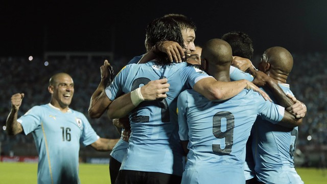 uruguay_chile_soccer__amar_3.jpg