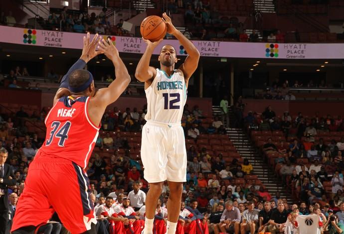 Gary Neal Charlotte Washington NBA amistoso (Foto: Getty Images)