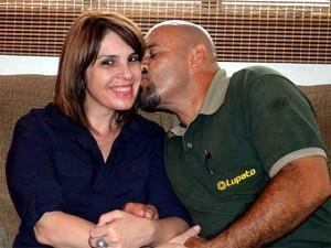 Ao socorrer Magna, Neves disse que nunca havia segurado a mão de uma mulher tão bonita. (Foto: Fernanda Testa/G1)