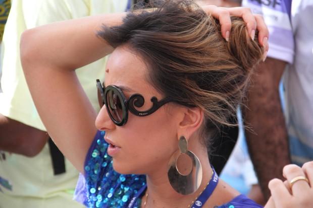 Sabrina Sato no sambódromo para acompanhar a apuração (Foto: Kadu Ferreira e Vinícius Eduardo / AgNews)