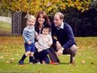 Kate Middleton e Príncipe William posam com os filhos em foto de Natal