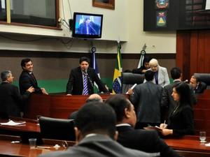 De 25 propostas de emendas à LOA, os vereadores aprovaram apenas duas. (Foto: Renê Dióz/G1)
