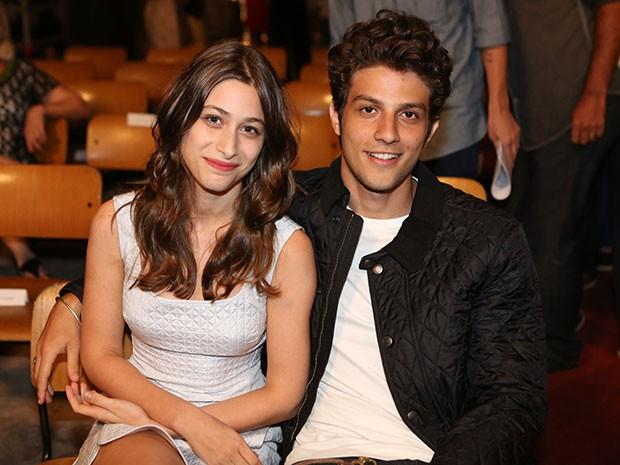 Chay Suede e Luisa Arraes viverão um casal que tem uma relação conturbada (Foto: Carol Caminha/Gshow)