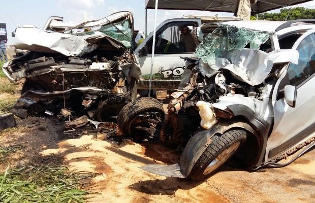 Acidente deixou três homens mortos na GO-070 em itaberaí, Goiás (Foto: Divulgação/ Corpo de Bombeiros)