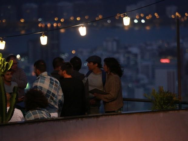 Matthew McConaughey e Camila Alves no Morro do Vidigal, na Zona Sul do Rio (Foto: Dilson Silva e Marcello Sá Barretto/ Ag. News)