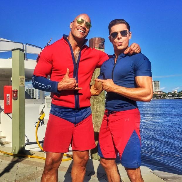 Zac Efron e Dwayne Johnson (Foto: Reprodução/Instagram)
