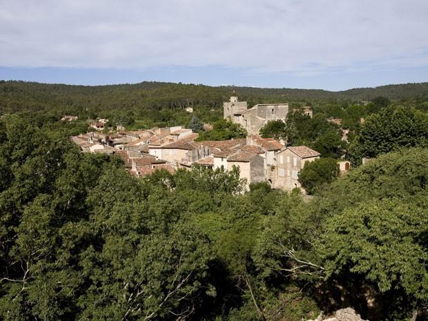 A cidade de Correns, no sul da França (Foto: Nicolas José / hemis.fr / AFP)