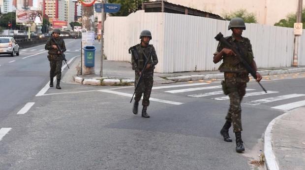 Exército começa a patrulhar as ruas no Espírito Santo (Foto: Reprodução/Facebook)