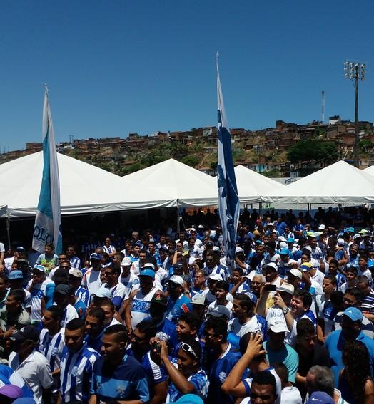 a casa é sua, azulino! (Augusto Oliveira / GloboEsporte.com)