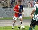 Vasco anuncia que não negociará mais com lateral-direito do Paraná