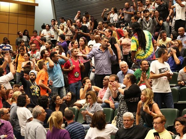 Audiência no Plenário JK da Alesp recebe professores em greve (Foto: Renato S. Cerqueira/Futura Press/Estadão Conteúdo)