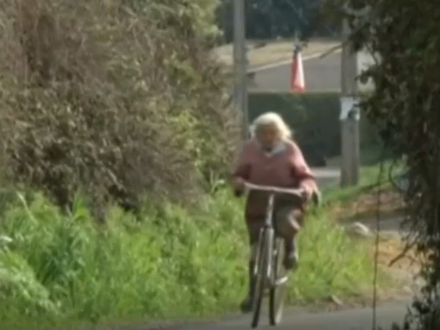 Vovô Na Web Mensagens De Superação 1: Chilena De 90 Anos Anda 30 Km Por Dia De Bicicleta E