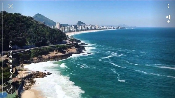 Vista da suíte onde o cantor de 19 anos está hospedado, no Rio  (Foto: Reprodução/ Instagram)